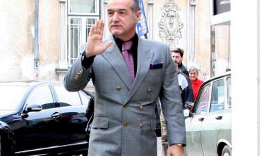 Gigi Becali vrea să facă o echipă puternică la FCSB