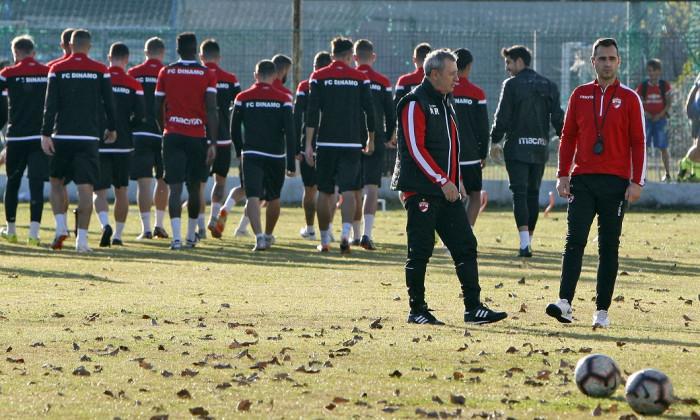 Mircea Rednic a impus respect de la primul antrenament de după revenire