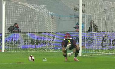 Bălgrădean a fost lovit cu un obiect aruncat din tribună la meciul Craiova - FCSB