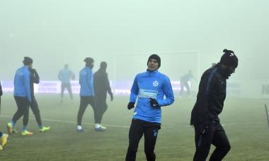 Fotbaliștii celor de la FCSB n-au putut juca meciul cu Viitorul din cauza ceții
