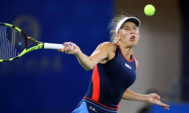 Caroline Wozniacki a fost eliminata de la Wuhan, iar Simona Halep ramane cu un avans urias in fruntea clasamentului WTA