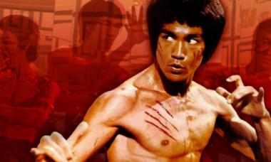 Actorul care il va juca pe Bruce Lee. Cat de bine seamana tanarul cu legenda artelor martiale