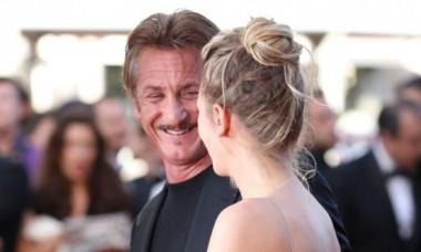 Fiica lui Sean Penn, pictoriale nud incendiare. Cât e de frumoasă și cât de bine seamănă cu mama ei