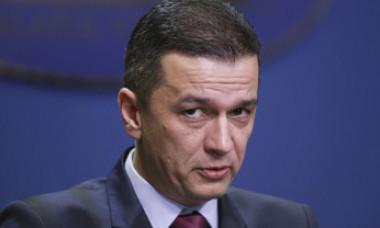 Ce salariu are Sorin Grindeanu: Abia am reuşit să o conving pe soţie că nu câștig 10.000 de euro