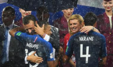 EXCLUSIV. De ce a stat Kolinda Kitarovic în ploaie, fără umbrelă, la finala Cupei Mondiale