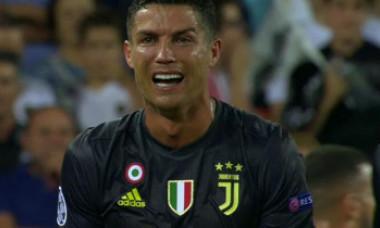 """VIDEO. Reacția uimitoare a comentatorilor când Cristiano Ronaldo a văzut cartonașul roșu: """"Îți vine să crezi așa ceva?"""""""