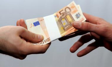 Metoda prin care trei romi din România au deturnat 1,7 milioane de euro de la statul francez